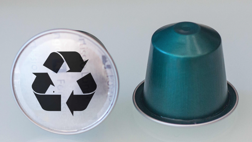 cups bij plastic afval