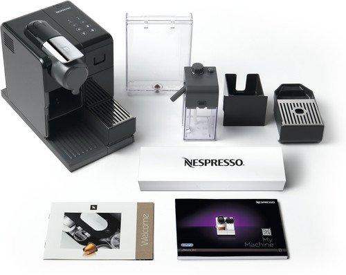 Nespresso apparaat met melkreservoir