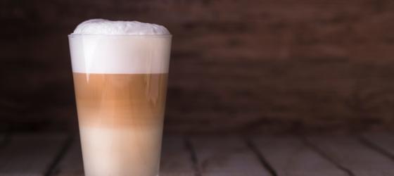 Nespresso apparaat kiezen met melkreservoir