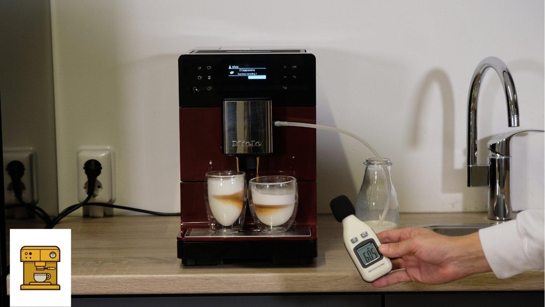 geluidsmeter twee cappuccino 60db