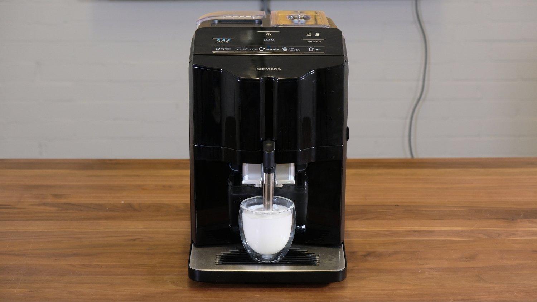 Siemens EQ300 melksysteem cappuccino zetten